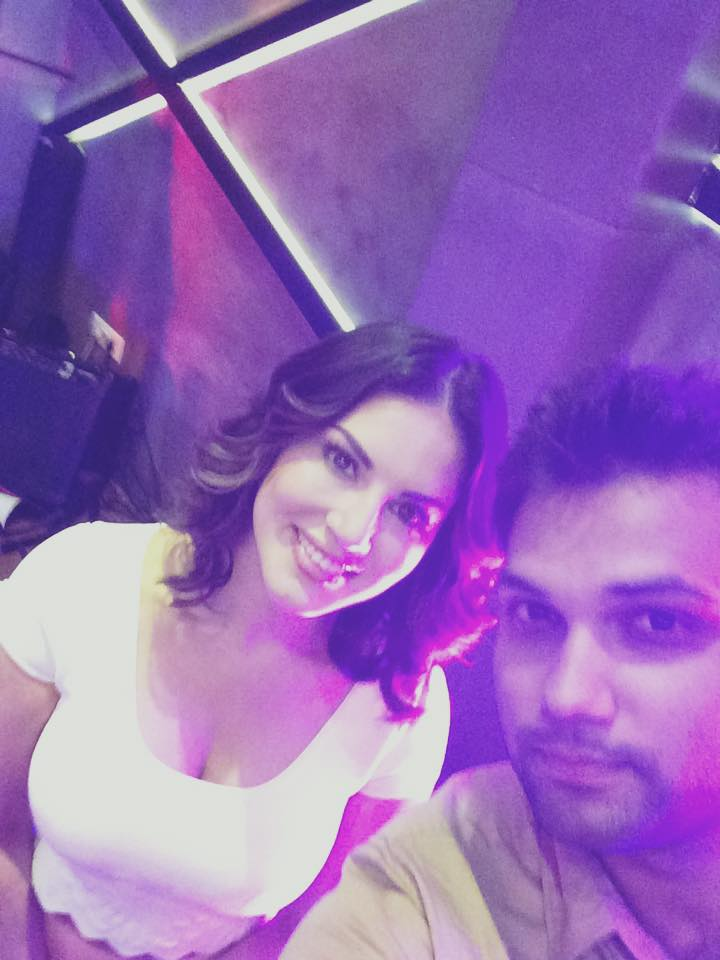 Selfie With Sunny Leone